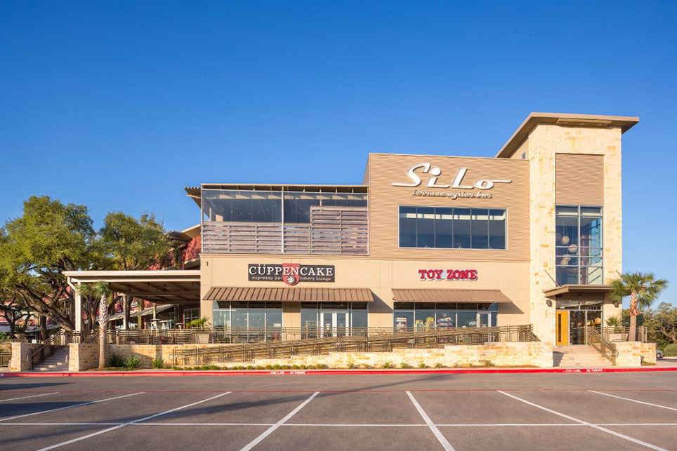 Shopping Mall in San Antonio: Dominion Ridge