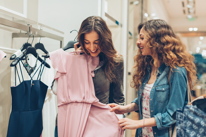 Build Friendships While Shopping in San Antonio at Dominion Ridge
